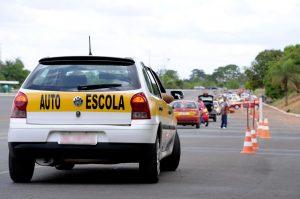 Projeto cria exame nacional para instrutores e examinadores de trânsito