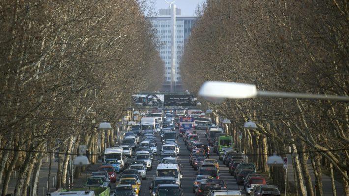 Uso do diesel está em xeque; veja cidades que planejam proibir o combustível